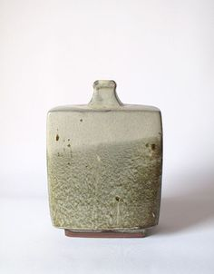 Shoji Hamada click now for more info. Japanese Ceramics, Japanese Pottery, Modern Ceramics, Slab Ceramics, Slab Pottery, Ceramic Pottery, Ceramic Tile Bathrooms, Pots, Amaco Glazes