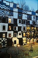 The Hundertwasser House in Vienna is one of Austria's architectural highlights. The house designed by Friedensreich Hundertwasser draws visitors from around the world.