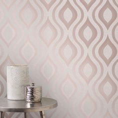 This beautiful Quartz Geometric Wallpaper in rose gold features a retro inspired curved geometric design with a modern twist of glitter and metallic elements. Decor, Fun Decor, Rustic Glam Decor, Gold Bedroom, Grey Wallpaper, Luxurious Bedrooms, Rose Gold Bedroom, Geometric Wallpaper, Geometric Wallpaper Rose Gold