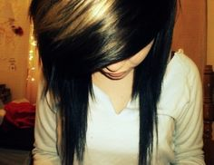 i always love how the long hair is cut thinner kinda to a point at the end!!