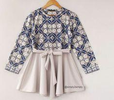 Wonderfull of culture✨ Batik Blazer, Blouse Batik, Batik Dress, Frock Fashion, Batik Fashion, Hijab Fashion, Fashion Dresses, Batik Kebaya, Kids Dress Patterns