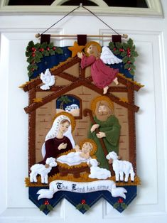 29 Ideas Vintage Christmas Nativity Navidad For 2019 Felt Christmas Decorations, Christmas Nativity Scene, Felt Christmas Ornaments, Christmas Art, Christmas Projects, Vintage Christmas, Christmas Wreaths, Nativity Crafts, Holiday Crafts