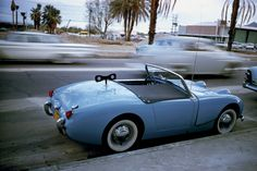 Atelier Robert Doisneau | Site officiel // La voiture bleue Palm Springs 1960