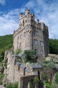 Burg Sooneck (also known as Saneck or Sonneck, previously also known as Schloss Sonneck) is a castle in  the Rhine, Mainz-Bingen district of Rhineland-Palatinate, Germany.   The castle is first mentioned in the historical record in 1271.  Castle Sooneck II by ~Fuchsia-Groan