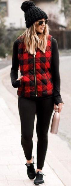 55 Trendy Ideas for hunter boats outfit winter leggings plaid shirts Black Vest Outfit, Vest Outfits, Summer Dress Outfits, Spring Outfits, Winter Outfits For School, Winter Outfits For Work, Casual Winter Outfits, Outfit Winter, Winter Leggings