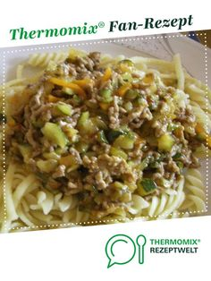 Zucchini pan with minced meat from A Thermomix ® recipe from the main course with meat category at www.de, the Thermomix ® Community. Zucchini pan with minced meat Tamara tamara_hasenaue TM 5 Zucchini pan with minced meat fr Hamburger Meat Recipes, Carne Picada, Evening Meals, Eating Plans, Meal Planning, Vegetarian Recipes, Clean Eating, Dinner Recipes, Easy Meals