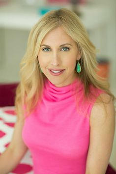 Bestselling Author Emily Giffin #theeverygirl #career #author