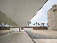 Castillo De La Luz Museum / Nieto Sobejano Arquitectos