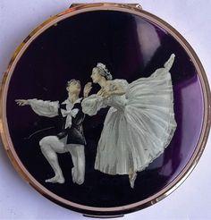 Vintage Stratton Ballet / Ballerina Powder Compact Pat No 764125
