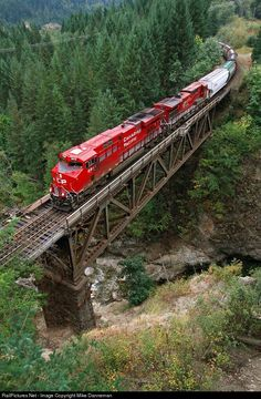 Net Photo: CP 8949 Canadian Pacific Railway GE at Spuzzum, British Columbia, Canada by Mike Danneman Train Tracks, Train Rides, British Columbia, Canadian Pacific Railway, Canadian National Railway, Mercedes Benz Unimog, Railroad Photography, Old Trains, Train Pictures