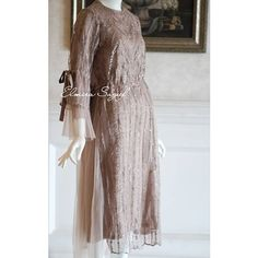 "Elmira Sageef Modest Fashion di Instagram ""Ready stock Leana Tunic in bronze , Premium Collections of @elmirasageef Order : +6281310006418"" Hijab Gown, Kebaya Hijab, Hijab Dress Party, Hijab Wedding Dresses, Kebaya Muslim, Kebaya Lace, Kebaya Dress, Dress Pesta, Dress Brukat"