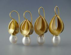 earrings, simple, elegant, gold w/ pearls. from COSMIMA - JEWELLERY