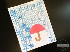 Bubble Wrap Rain Crafts for Kids. 11 Best Rainy Day Crafts & Activities for Kids - Fun for Parents too. Weather Art, Weather Crafts, Rainy Day Crafts, Toddler Art Projects, Easy Art Projects, Toddler Crafts, Spring Projects, Craft Activities For Kids, Preschool Crafts