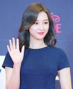 Korean Actresses, Korean Actors, Actors & Actresses, Kim So Eun, Kim Ji Won, Korean Celebrities, Celebs, Back To School Fashion, Pretty And Cute