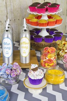Find out how to build your own Cupcake Bar with help from Cake Mate.