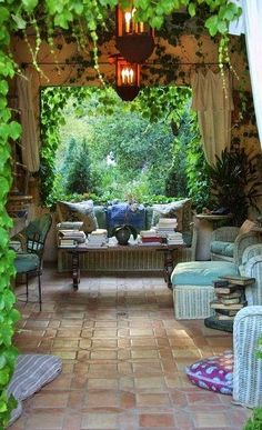 So cosy - this would be lovely in the garden.