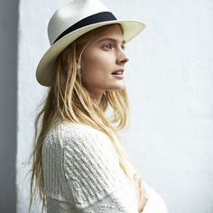 panama hat & white knit #style #fashion #spring