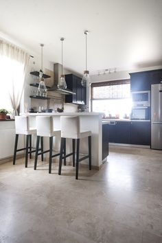 Small Rooms, Countertops, Kitchen Decor, Flooring, Wall, Decorating Ideas, Furniture, Stone, Natural
