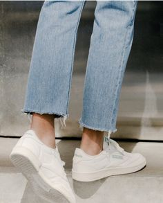 Light wash straight leg ankle length denim.