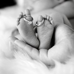 Photograph Rings on her toes by Vanessa Kay on Newborn Baby Photos, Newborn Poses, Newborn Shoot, Newborn Pictures, Baby Boy Newborn, Pregnancy Photos, Baby Pictures, Family Pictures, Baby Baby