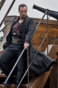 Toby Stephens as Captain Flint. He's marvelous!.  Toby is Dame Maggie Smith's son.