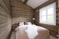 Cabin Inspiration to the mountains Guest Bedroom Decor, Guest Bedrooms, Bedroom Ideas, Cottage Interiors, Rustic Interiors, Mountain Cottage, Lake Cabins, Winter House, Log Homes