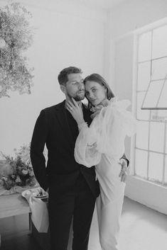 Foolishly Rushing In: Fotografía editorial de bodas inspirada en la moda – Wedding Hub Nicole Richie, Top Wedding Photographers, Romantic Moments, Creative Director, Bridal Style, Hair Makeup, Wedding Photography, The Incredibles, Photo And Video