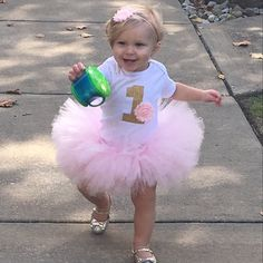 First Birthday Outfit Girl Girl Bday Outfit First Bday Peppa Pig Birthday Outfit, First Birthday Outfit Girl, Pink Birthday, Birthday Ideas, Tutu Rose, Pink Tutu, Flores Shabby Chic, Perfect Outfit, Party