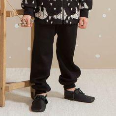 ARCTIC villahousut, musta | NOSH & KIVAT villavaatemallisto tarjoaa villavaatteita  ja asusteita syksyyn ja talveen! Pipoja myös aikuisille. Tutustu mallistoon ja tilaa NOSH vaatekutsuilta, edustajalta tai verkosta http://nosh.fi/category/950/ | (This collection is available only in Finland )