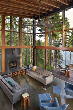 With a view like this, who wouldn't want these glass walls? ... http://www.hometipsforwomen.com/glass-walls-a-growing-trend