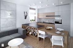 Szarość ocieplona drewnem - Mała otwarta kuchnia jednorzędowa w aneksie - zdjęcie od HOME & STYLE