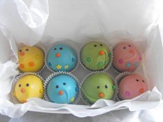 Box of mini Easter chicks - cake balls (cake pops w/o stick)