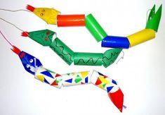 bastelsachen3/basteln-bunte-Faschingsschlangen-aus-Klorollen