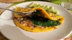 "Vaječná omeleta s pršutem žampiony a špenátem: """" Prosciutto, Vegetable Pizza, Vegetables, Food, Veggies, Vegetable Recipes, Meals, Yemek, Veggie Pizza"