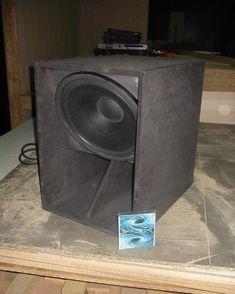 Planos de cajas acusticas detallados mas imagenes - Taringa! Diy Subwoofer, Subwoofer Box Design, Speaker Box Design, Horn Speakers, Diy Speakers, Custom Car Audio, Speaker Plans, Iphone 6, Professional Audio