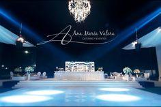 Iluminacion de Pista de Baile  - Lampara de Prisma - Barra de Capitone con cajones de espejos - Matrimonio Club Regatas
