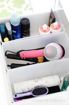 How to utilize every inch of your bathroom to its potential. Plenty of ideas on how to organize and clean your bathroom from top to bottom.  Bathroom Organization via A Bowl Full of Lemons