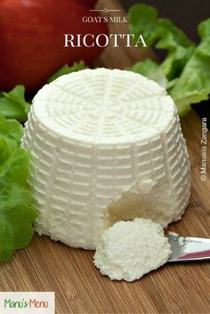 How to make your own Goat's Milk Ricotta cheese - perfect for savoury and sweet dishes alike. Goat Milk Recipes, Goat Cheese Recipes, Homemade Goats Cheese, Food Storage, Feta, Queso Ricotta, Chutney, How To Make Cheese, Making Goat Cheese