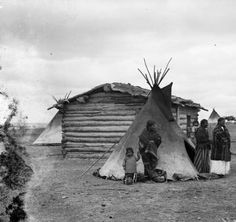A Sioux Indian hut & tepee Pine Ridge Reservation, S.D. on #Wounded #Knee :: Western #History