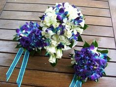 Blue-purple Singapore Orchids and White Roses wedding