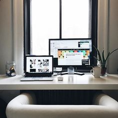 Your workstation is where the magic takes place. Pc Setup, Desk Setup, Room Setup, Woodworking Tools List, Router Woodworking, Workspace Design, Office Workspace, Home Office, Office Decor