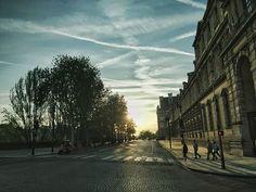 Paris Paris soleil couchant #LesJoursSAllongent #JAimeRentrerEnBus #LaVilleEstBelle #LaVieEstBelle