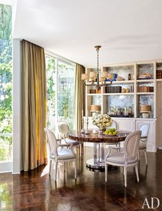 A Glamorous Home in the Hollywood Hills: Dining Area