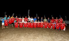 Atakum'dan Teröre 'Bayraklı' Tepki: Atakum'da gerçekleştirilen Plaj Futbolu Turnuvası'nın kupa töreni sırasında aldığı terör saldırısı…