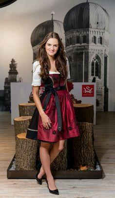 Spieth & Wensky   F/S 2017   Miss Germany Trachtenkollektion    Die Trachtenmodemarke Spieth & Wensky lanciert nun ihre erste eigene Miss Germany Trachtenkollektion.     S❤ Spieth Und Wensky, Vintage, Style, Fashion, Dirndl, Maid, Work Attire, Oktoberfest, Chic