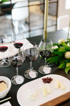 Cheese and accoutrements alongside the wines for a blind wine tasting Wine And Cheese Party, Wine Tasting Party, Wine Cheese, Wine Paring, Blinde, Wine Decor, Cheap Wine, Wine Glass Charms, Wine Fridge