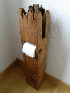 Klopapierspender aus geborstenem Eichenbalken / toilet paper holder from oak beam