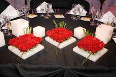 Decoración con diferentes centros de mesa Ve más fotos en IDEAS de EVENTOS
