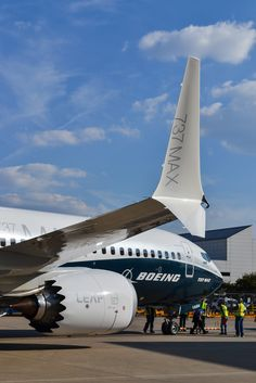 Boeing Planes, Boeing Aircraft, Passenger Aircraft, Fighter Aircraft, Commercial Plane, Commercial Aircraft, Airplane Wallpaper, Luxury Jets, Airplane Car