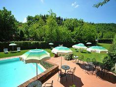 Ideaal! Bij deze appartementen is een lekker rustige, ruime tuin met zwembad, speeltuintje, barbecues én je loopt zo het gezelllige stadje Greve in Chianti in.  https://www.italissima.nl/accommodatie/I3334